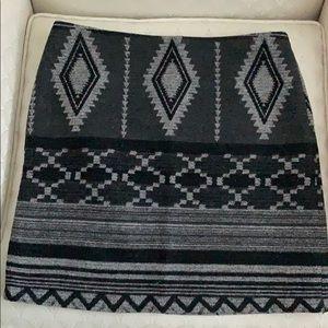 Kenar Size 2 Black and Gray Pattern Skirt